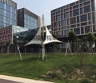郑州大学科技园飞燕膜结构景观