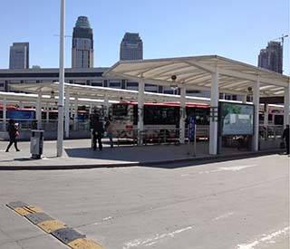 天津火车站公交站台膜结构遮阳棚