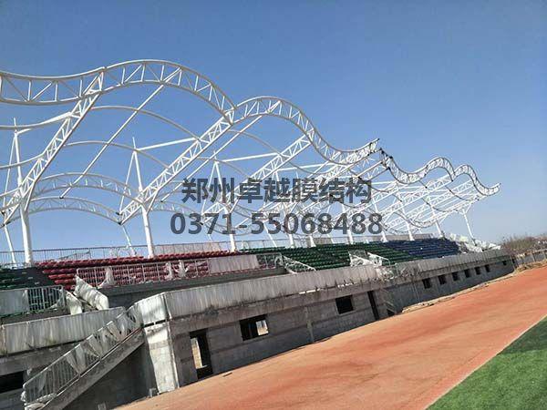 三门峡社会管理学院膜结构看台罩棚钢构细节照