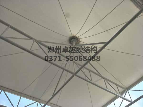 邵阳市新邵县法治广场门球场膜结构罩棚/顶棚膜材细节图