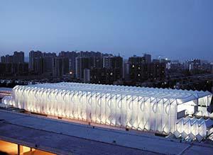 应用PTFE膜结构的北京西二旗地铁站