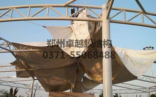 膜结构中膜布的安装