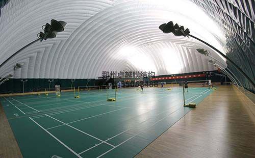 充气膜结构体育馆内部实拍图