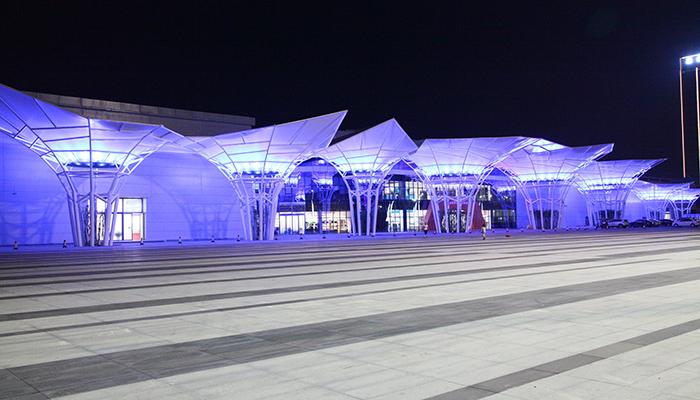郑州保税区大型膜结构景观
