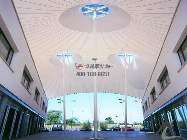 嘉峪关商业街膜结构遮阳棚设计案例