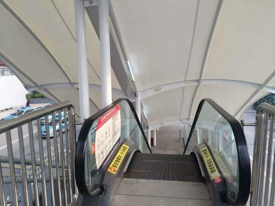 地铁站出入口膜结构顶棚,罩棚