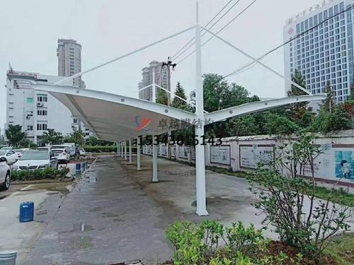 邵通商业广场雨棚搭建