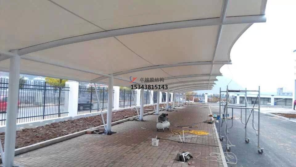 孝感商业广场雨棚搭建
